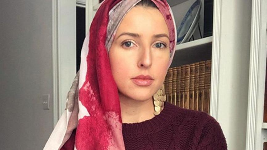 ABD'li şarkıcı Jennifer Grout, Ayet-el Kürsi'yi okudu