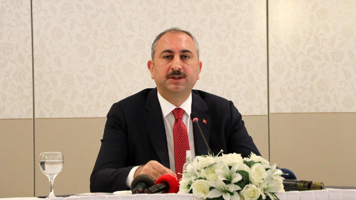 Adalet Bakanı Abdulhamit Gül: 30 Nisan'a kadar bütün duruşmalar iptal edildi