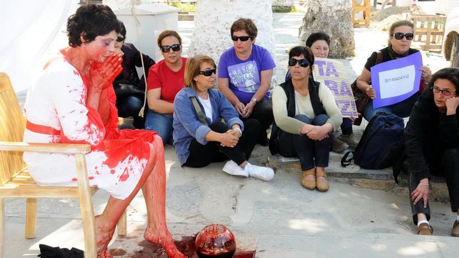 Corona günlerinde kadınlar için 'Şiddetten Korunma Kılavuzu' hazırlandı