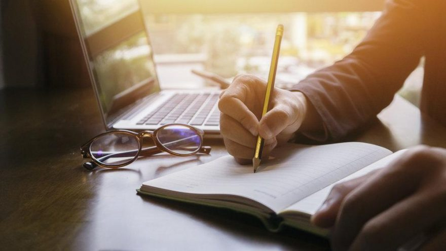 Eskrim nasıl yazılır? TDK güncel yazım kılavuzuna göre eskrim mi, eskirim mi?