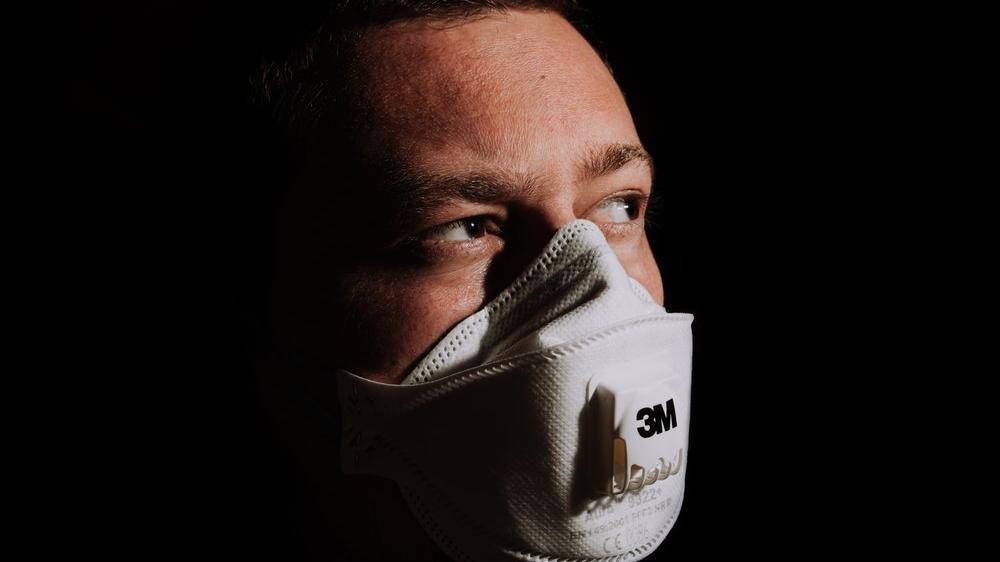 Trump'tan N95 maskelerinin üretim ve dağıtımına el koyma kararı