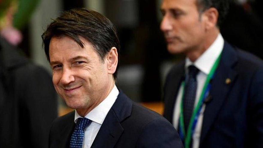 İtalya Başbakanı'nın koruması Covid-19'un kurbanı oldu!