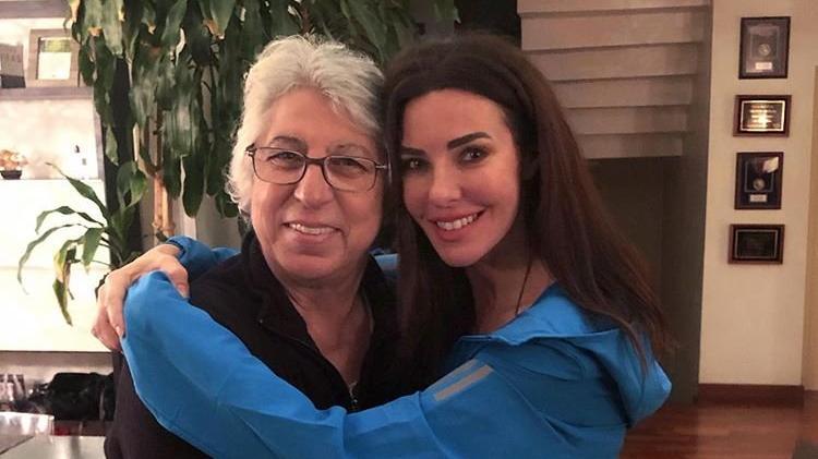 Defne Samyeli'den annesine duygusal mesaj
