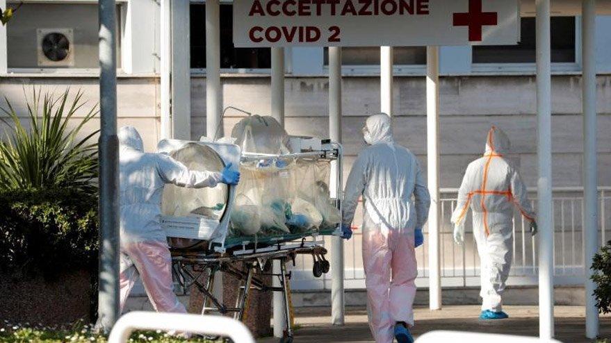 İtalya'da son 24 saatte 681 kişi daha öldü