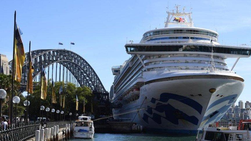 Corona virüsünü yayan gemiye soruşturma!