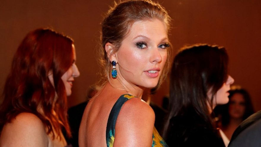 Taylor Swift: İnsanlık hiç olmadığı kadar birbirine bağlanıyor