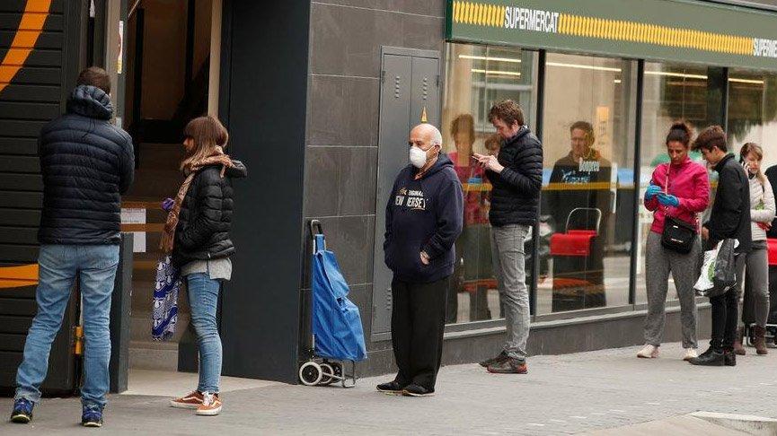 Corona salgınının yayıldığı İspanya'da flaş karar! Tüm halka maaş ödenecek