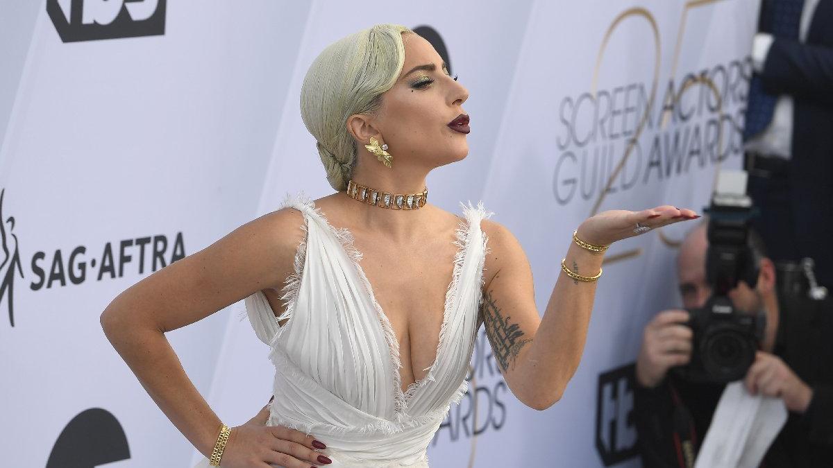 Lady Gaga'dan corona virüsü ile mücadeleye rekor bağış