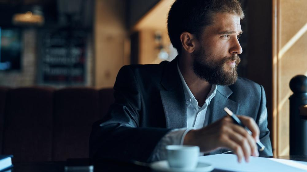 İş yeri nasıl yazılır? TDK'ya göre 'işyeri' bitişik mi, ayrı mı yazılır?