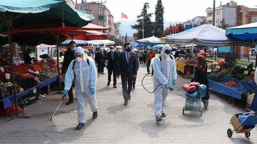 AKP'li belediye başkanından tepki çeken fotoğraf