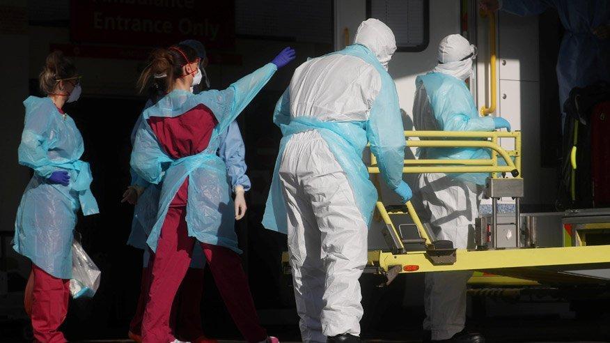 İngiltere'de şok gelişme: Bir günde 938 kişi öldü!