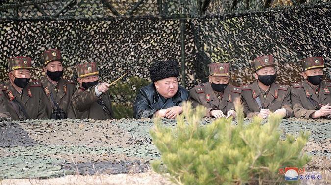 Kuzey Kore'den kafa karıştıran maske keşfi
