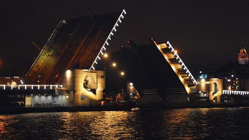 Atatürk ve Yeni Galata Köprüsü trafiğe açıldı