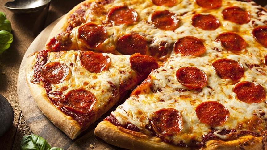 Evde kolay pizza tarifi ve malzemeleri… Evde pizza nasıl yapılır?