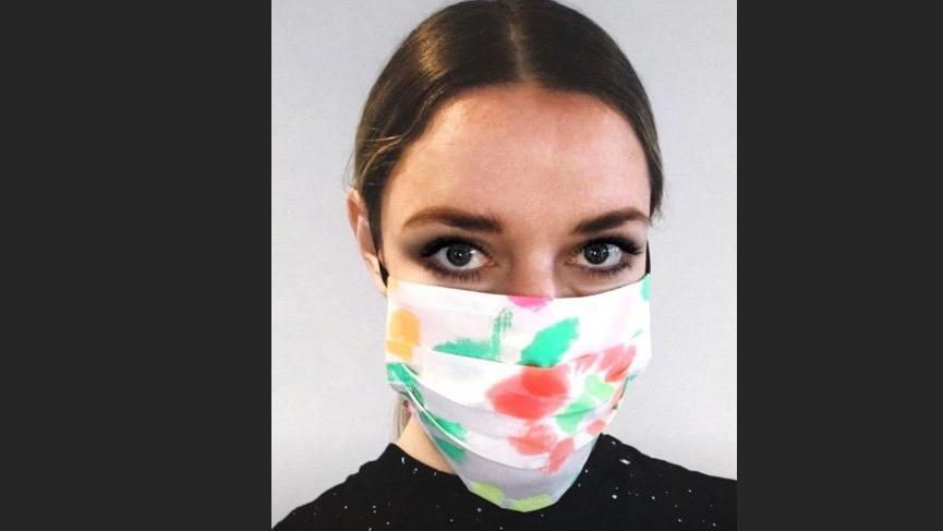 Christopher Kane kendi maskenizi yapmanıza olanak sağlıyor