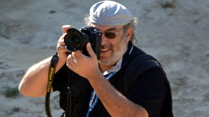 Ünlü fotoğraf sanatçısı evinde ölü bulundu