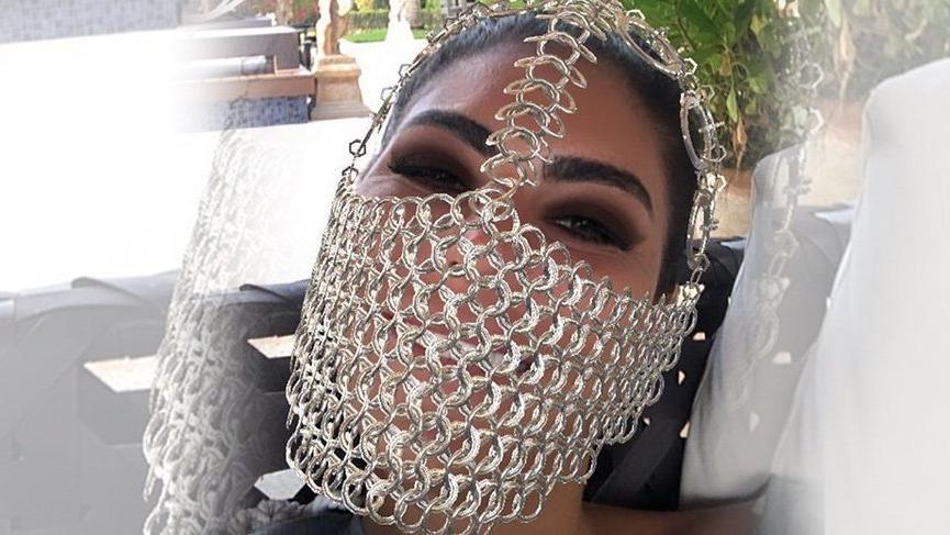 Süreyya Yalçın'ın corona virüsü maskesi!