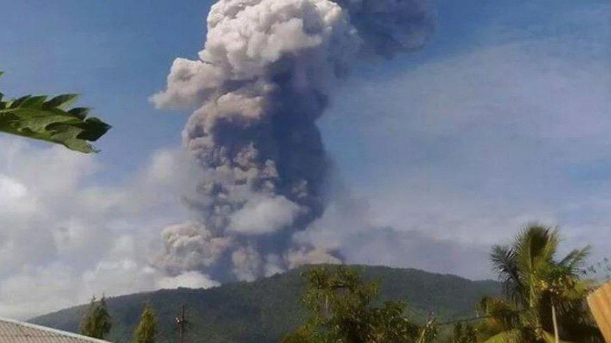 Endonezya'da yanardağ patladı! Endonezya nerede?