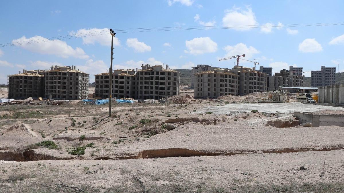 TOKİ inşaat alanı karantinaya alındı... 400 işçi gözlem altında