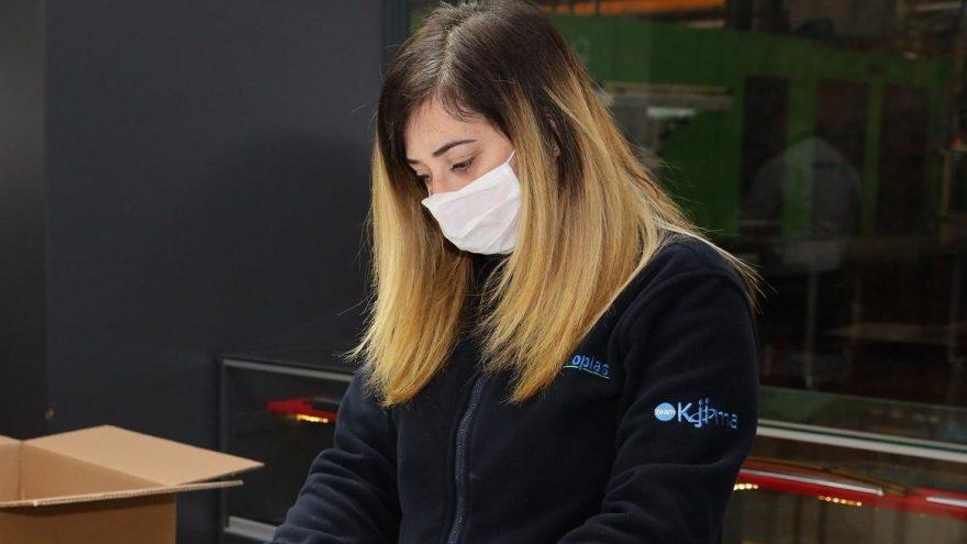 42 bin adet siperlikli maske ürettiler!