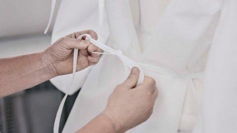 Louis Vuitton, Paris hastaleneleri için önlük üretimine başladı