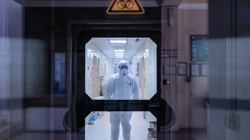 Çin'in ürettiği corona aşısı 84 yaşındaki bir kişide denendi!