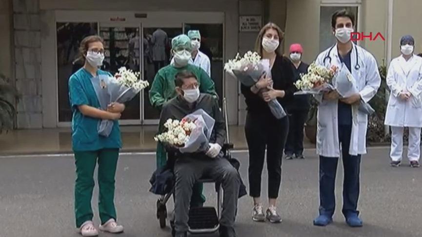 Coronayı yenen sağlık çalışanları alkışlarla taburcu edildi