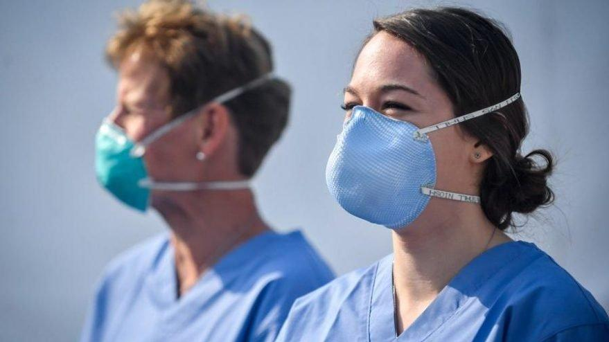 H&M Türkiye sağlık çalışanlarına 30 bin temiz kıyafet bağışladı