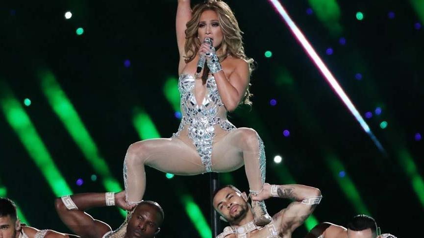 Jennifer Lopez, eski sevgilisi Diddy ile canlı yayında dans etti