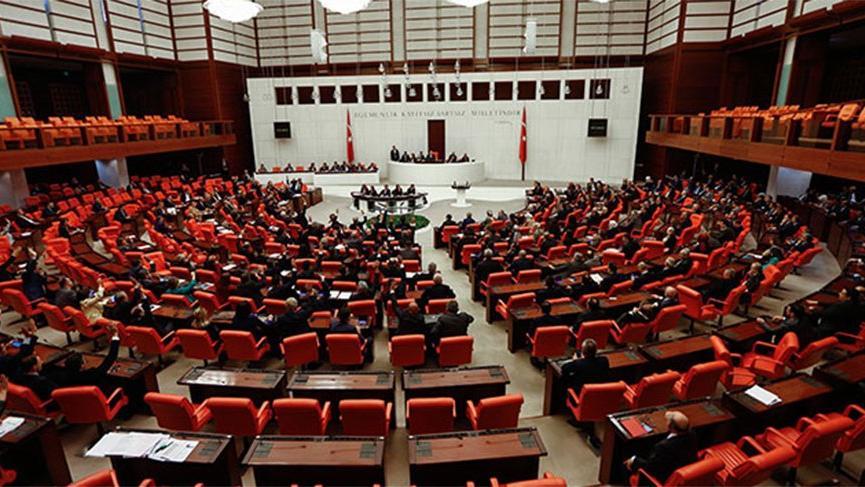 Meclis 45 günlük tatile giriyor!
