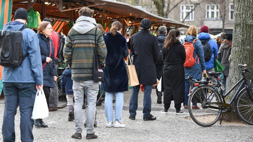 Almanya'da 'corona' kararı! Aşama aşama kısıtlamalar kalkıyor