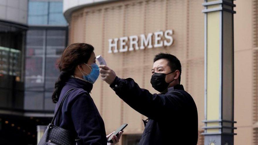 Çin'de bulunan Hermes mağazası virüs sonrası 1 günde 2.7 milyon dolarlık ciro yaptı