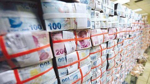 Ekonomi küçülecek enflasyon artacak