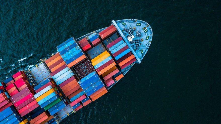 Nisan'ın ilk yarısında ihracat yüzde 40 düştü