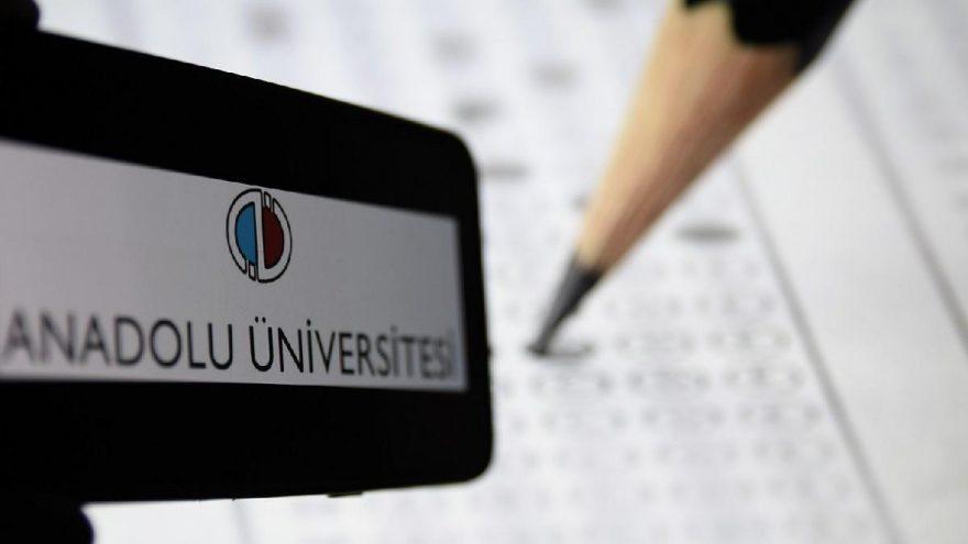 Anadolu Üniversitesi'nden AÖF öğrencilerine önemli uyarı! Gelen mesajlara dikkat!
