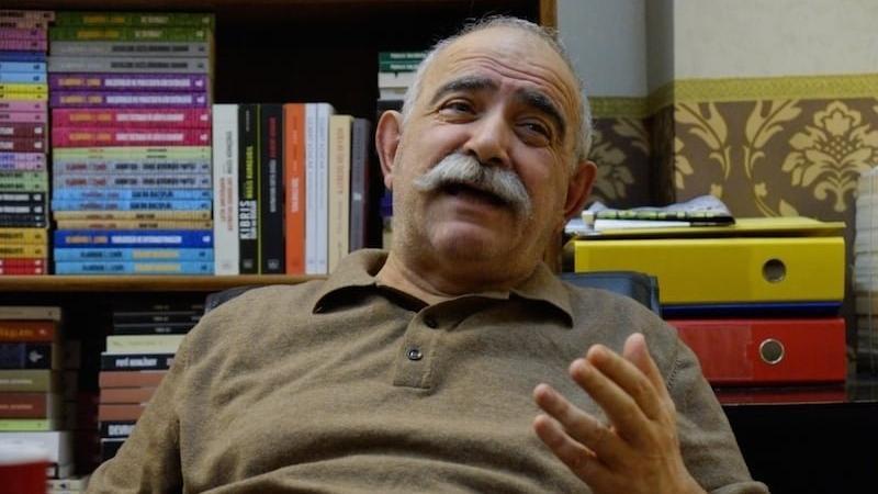 Corona virüsü şüphesiyle hastaneye kaldırılan yazar Masis Kürkçügil taburcu edildi