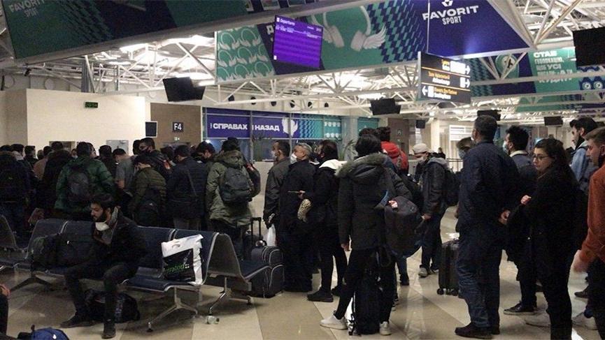 Türk vatandaşları Ukrayna'dan tahliye edildi