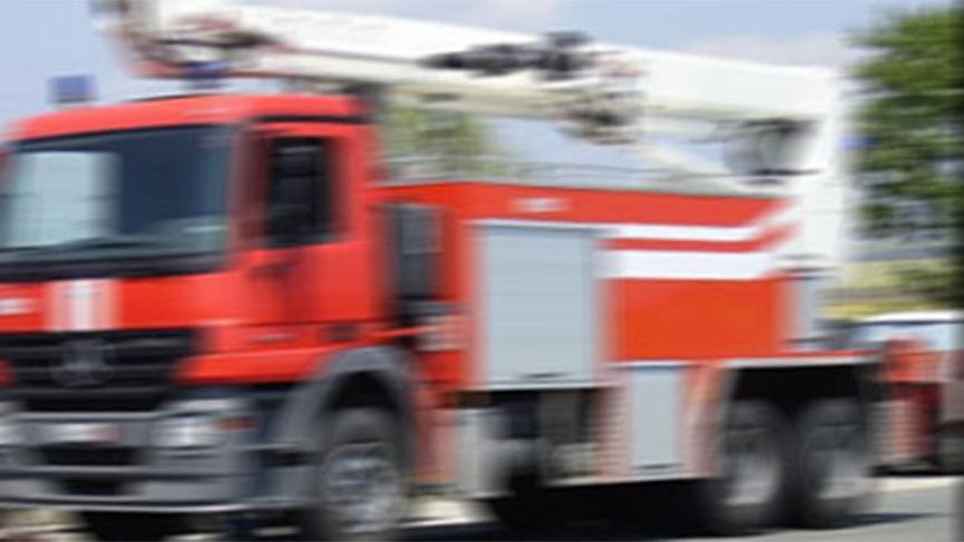 Yangında can pazarı; mahsur kalan 1'i bebek 10 kişi kurtarıldı