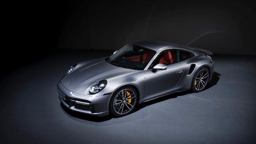 Yeni Porsche modelleri yere daha sağlam basıyor!