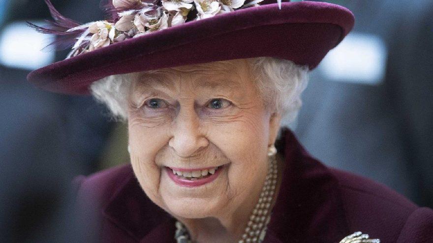 Kraliçe Elizabeth'in doğum günü corona virüsüne takıldı