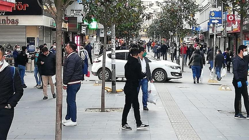 İBB: 48 saatlik yasakların ardından araç ve yaya trafiği artmakta!