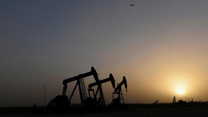 ABD'deki petrol fiyatlarının çakılmasını uzmanlar sozcu.com.tr'ye değerlendirdi