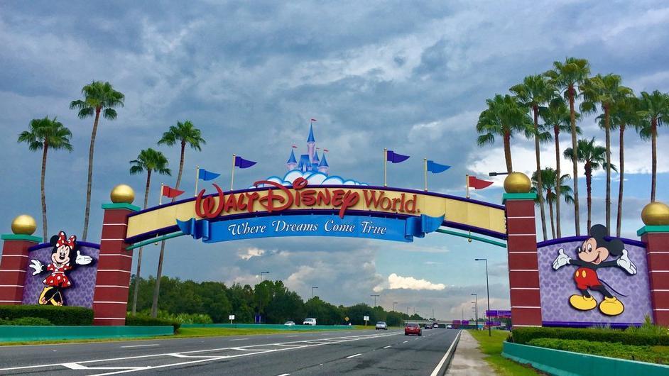 Disney 100 bini aşkın işçiyi geçici olarak işten çıkardı