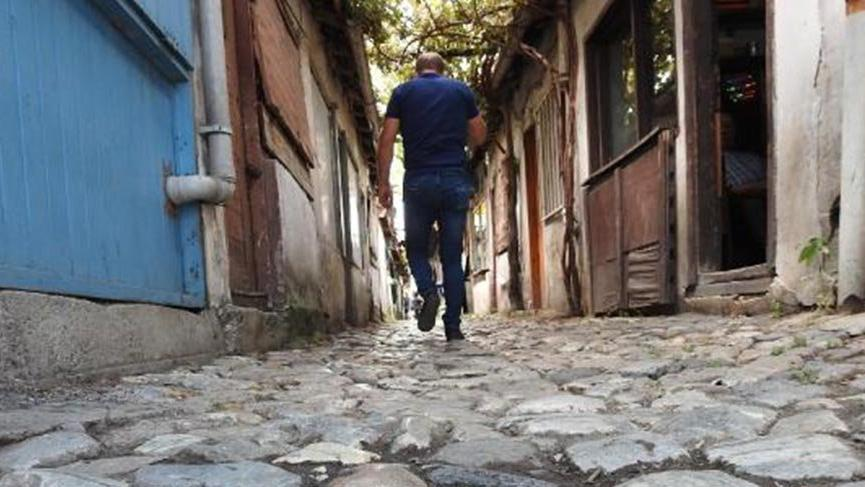 'Dünyanın en dar sokağı'nda sosyal mesafe korunuyor