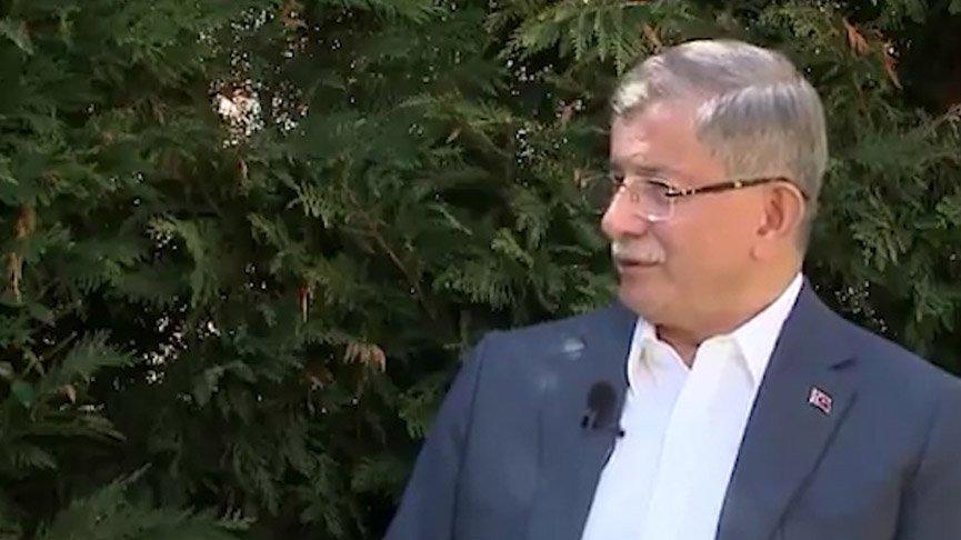 Davutoğlu: Erdoğan'ın en zayıf olduğu dönemde yanındaydım
