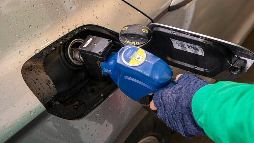 Petrol 1 kuruşa inse Türkiye'de benzin kaç lira olur?