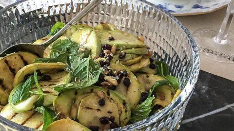 Ekşili kabak salatası tarifi