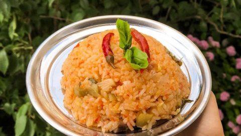 Domatesli ve patlıcanlı pilav tarifi
