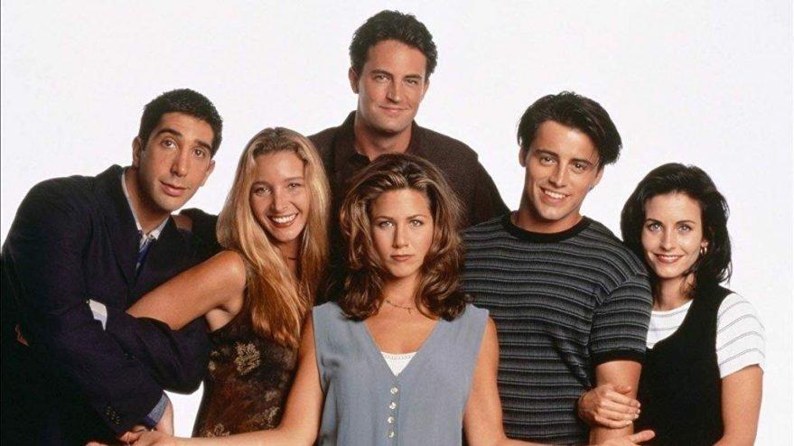 Friends ekibi, bağış karşılığı çekime katılma fırsatı sunuyor
