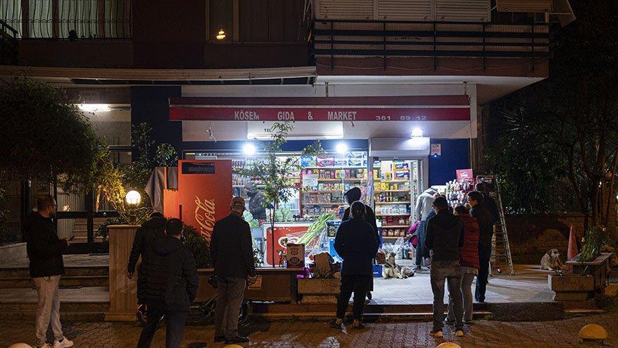 Bakkallar ve marketler açık olacak mı? 4 günlük sokağa çıkmaya yasağı bu gece başlıyor